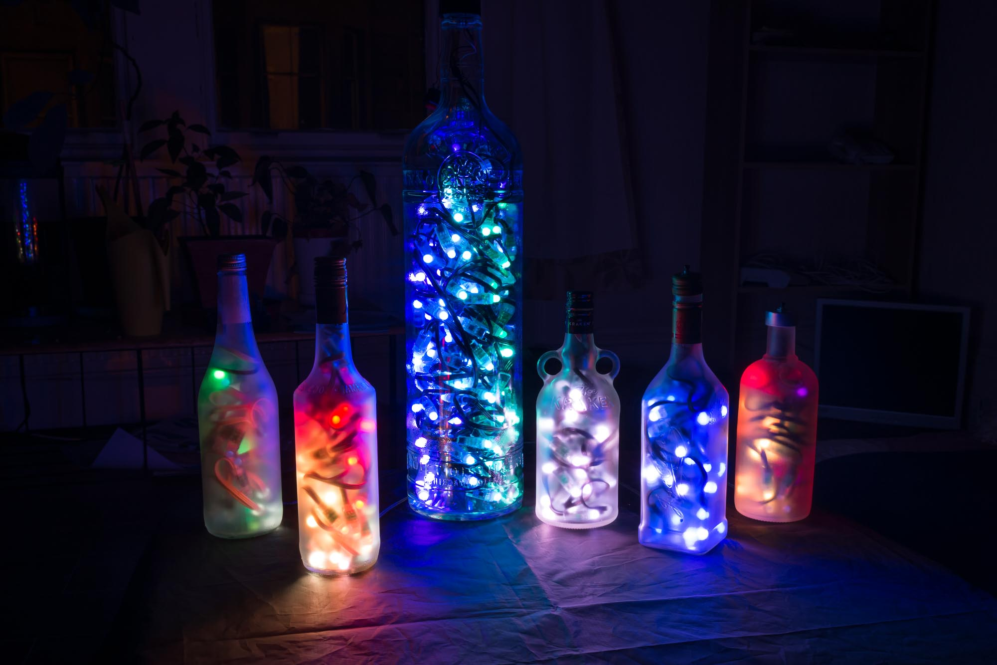 Audio Reactive Bottle Lights - Hardware, Software and 3D mapping by Devicer